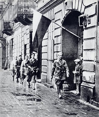 "Polish contribution to World War II - 1944 Warsaw Uprising - Patrol of Lieut. Stanisław Jankowski (""Agaton"") from Batalion Pięść, 1 August 1944: ""W-hour"" (17:00)"
