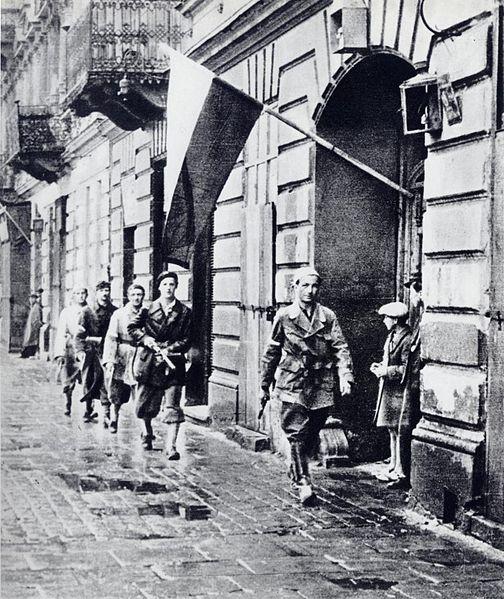 Plik:Powstanie warszawskie patrol.jpg