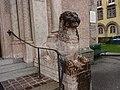Pradler Kirche Loewe.jpg