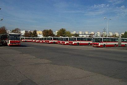 Jak do Garáže Klíčov hromadnou dopravou - O místě