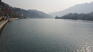 Qing river in Changyang 01.jpg