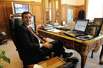 Florencio Randazzo - Randazzo at his desk