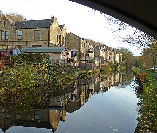 Reflections in the Rochdale Canal at Luddendenfoot (8197743448)
