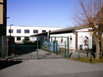 Reinhard-Lakomy-Grundschule (old and new day-care).png
