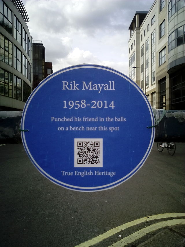 Photo of Rik Mayall and Adrian Edmondson blue plaque