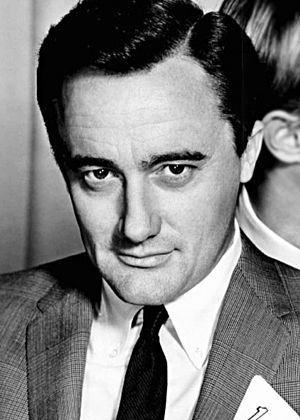 Robert Vaughn - Vaughn c. 1966 in The Man from U.N.C.L.E.