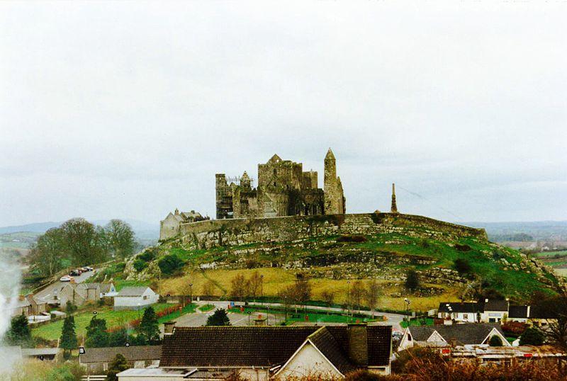 Fichier:Rock of Cashel.jpg