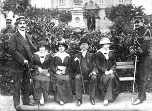 Francisco de Paula Rodrigues Alves - Rodrigues Alves and his children, 1913.