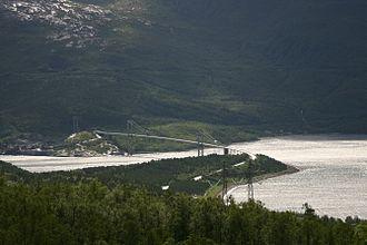Rombaken - View of the bridge over the fjord