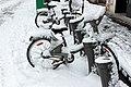 Rue du Repos (Paris), station vélib sous la neige 02.jpg