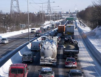 Förbifart Stockholm - Northbound traffic towards Stockholm on E4/E20 during rush hour, between the Kungens Kurva and Bredäng traffic interchanges on February 22, 2010.