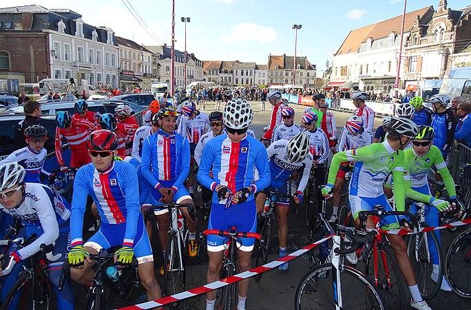 Saint-Amand-les-Eaux - Paris-Roubaix juniors, 10 avril 2016, départ (C03).JPG