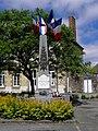 Saint-Hilaire-du-Maine (53) Monument aux morts.JPG
