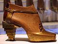 Salvatore ferragamo, modello di sandalo ispirato all'egitto, 1930.JPG