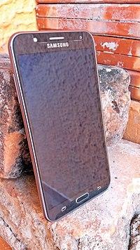 Samsung Galaxy J7 SM-J700M DS.jpg