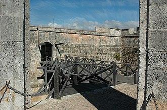 Castillo de San Pedro de la Roca - Image: San Pedro de la Roca Castle, Santiago de Cuba 112456