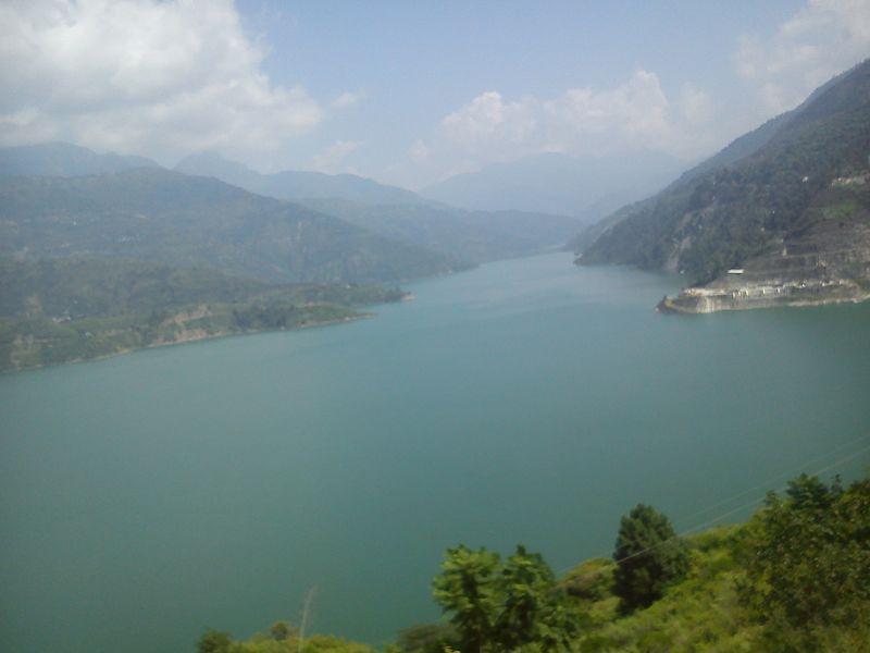 File:Sangam of Bhagirathi and Bhilangana river in Tehri.jpg