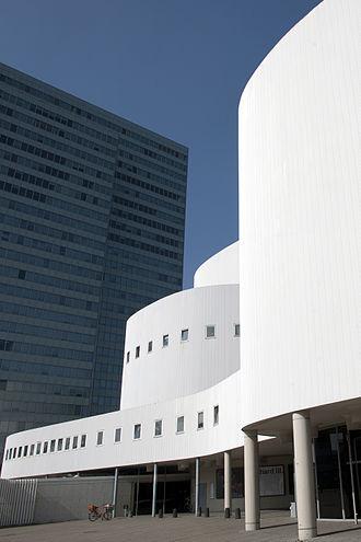 Düsseldorf-Stadtmitte - Image: Schauspielhaus 004 aussen Foto Sebastian Hoppe