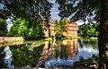 Schloss Bedburg im Frühsommer 2020.jpg