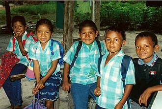 Kalina people - Image: School children Bigi Poika