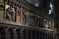 Sculptures in Notre Dame de Paris 02.jpg