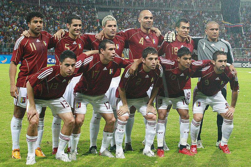 Posibles juegos amistosos en octubre del 2010.  [Se cancela juego contra Venezuela]. 800px-Selecci%C3%B3nVenezuela2008