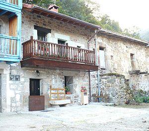 Luena, Cantabria - House in Selviejo village, Luena.
