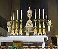 Siena, san domenico, altare maggiore, due angeli di Benedetto da Maiano.JPG
