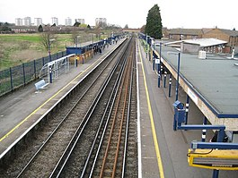 Slade Green railway station (1) - geograph.org.uk - 717708.jpg