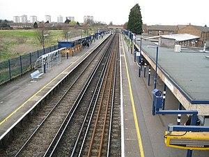 Slade Green railway station - Image: Slade Green railway station (1) geograph.org.uk 717708