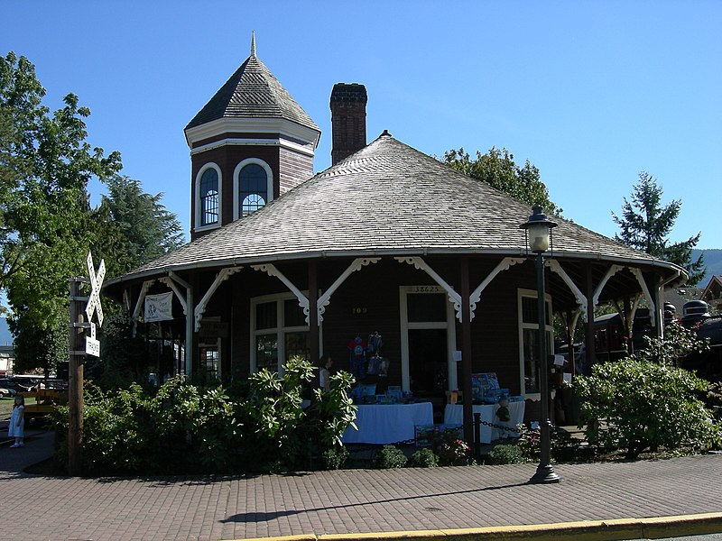 File:Snoqualmie Depot 02.jpg