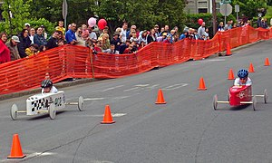 Gravity racer - Children racing in a soapbox