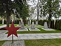 Soldatenfriedhof der Sowjetarmee in Laa an der Thaya, Österreich.jpg