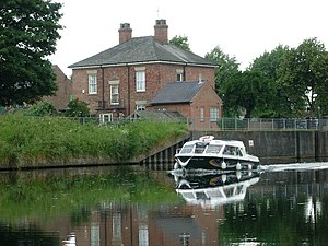 Spalding, Lincolnshire - Image: Spalding Water Taxi, Coronation Channel geograph.org.uk 191090
