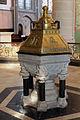 St. Laurentius Ahrweiler, spätgotischer Taufstein.jpg