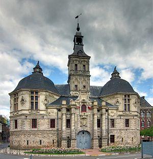 Saint-Amand-les-Eaux - Image: St Amand portail ass bis