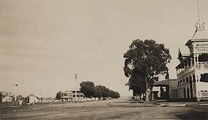 Logan City - The main street in Beenleigh in 1908 and at the time part of the former Shire of Albert