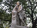 Statue of William Shakespeare at the centre of Leicester Square Gardens, London (4039919194).jpg