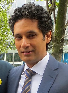 Stephen Lobo April 2015 (cropped).jpg