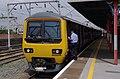 Stockport railway station MMB 20 323239.jpg