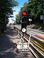 Strašnice, Průběžná, přenosný semafor, červená.jpg