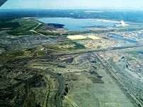 This is a picture of :en:Syncrude's base mine....