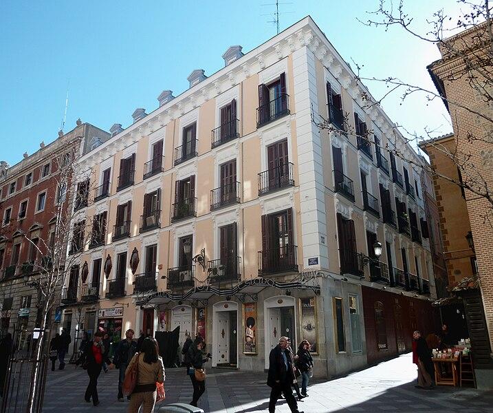 Archivo:Teatro Eslava (Madrid) 01.jpg