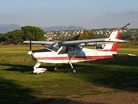 Tecnam P92 Echo Super in aviopista