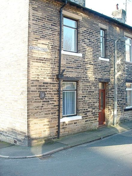 Hughes's birthplace in Mytholmroyd, Yorkshire Ted Hughes Birthplace.jpg