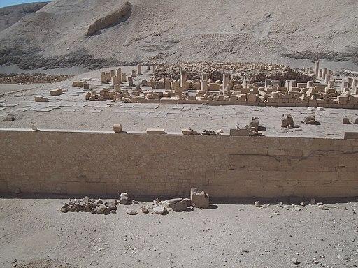 Temple of Mentuhotep at Deir el-Bahri (I) (8030674872)