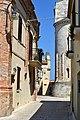 Termoli - centro storico con abside duomo.jpg