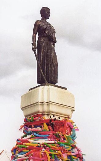 Nakhon Ratchasima - Statue of Lady Mo, Korat city centre.