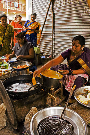 Fritter - A woman making bajjis in Mylapore