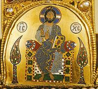 Krisztus király képe az Országházban a magyar Szent Koronán